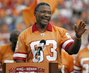 The Buccaneers honored Hall of Famer LeRoy Selmon during their win over the Packers.