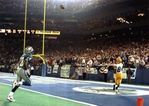 Brett Favre and Sterling Sharpe connected on the game-winning score to lift Green Bay past the Lions in the 1993 playoffs.