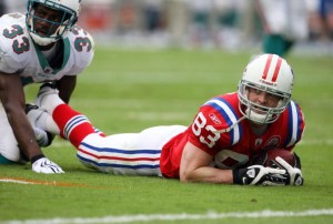 Wes Welker suffered a season-ending knee injury against the Texans.