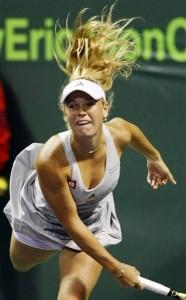 Caroline Wozniacki defeats Anastasia Pavlyuchenkova to advance to the quarterfinals in Miami.