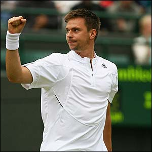 Robin Soderling defeated Rafael Nadal in the 4th round at the 2009 French Open.