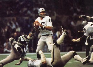 Jim Plunkett resurrected his career by leading the Oakland Raiders to Super Bowl XV.