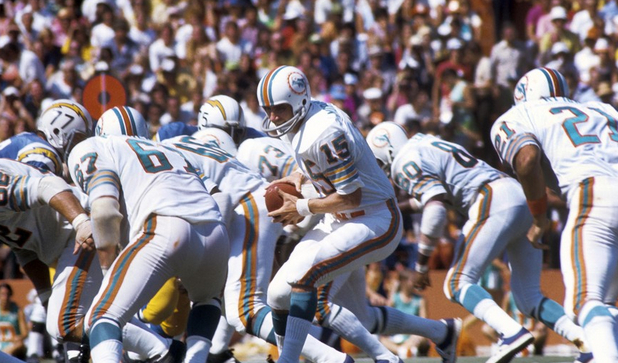 Earl Morrall spent 22 seasons in the NFL and helped lead the Miami Dolphins to a perfect record in 1972.