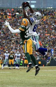 Dez Bryant and Sam Shields battled in this controversial play during the 2014 NFC Divisional Playoffs.
