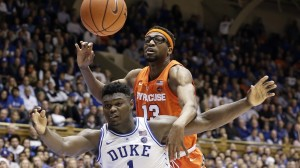 Syracuse center Paschal Chukwu battles with Duke's Zion Williamson for position
